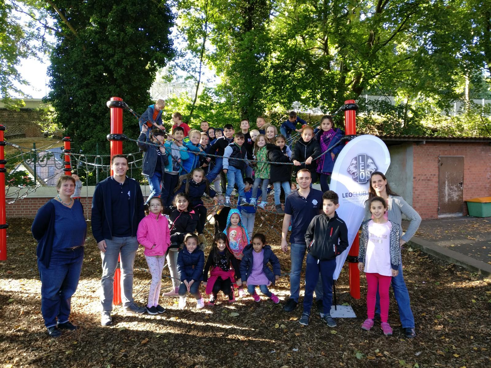 Leo-Club Wuppertal spendet 10.000 Euro an Wuppertaler Grundschulen