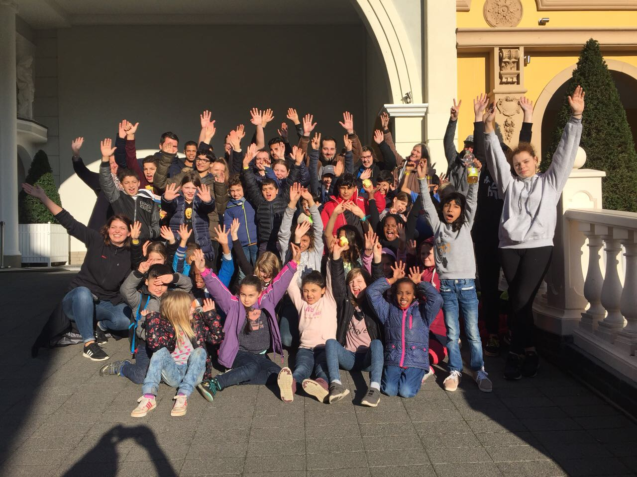 Leo-Club fährt mit 40 Kindern ins Phantasialand