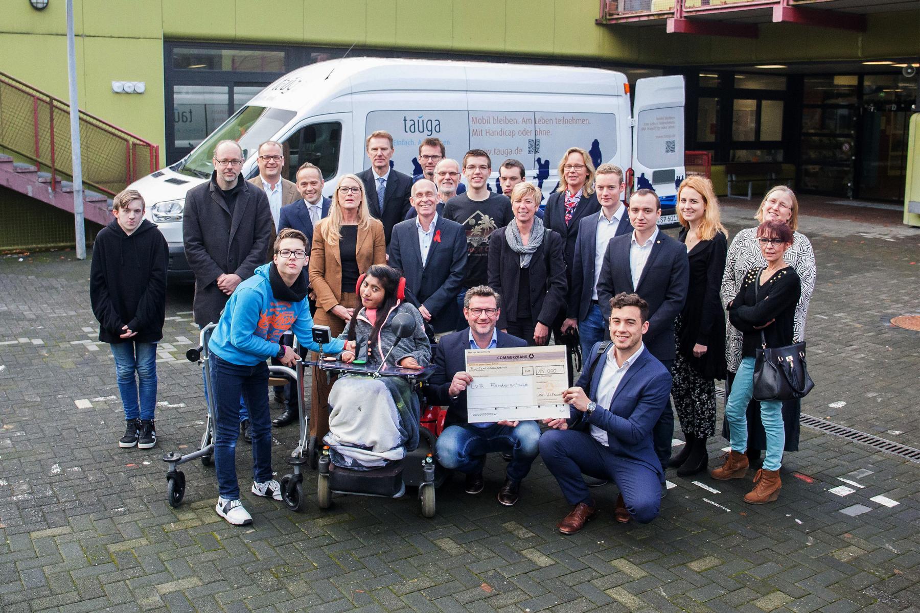 Leos spenden 15.000 Euro an LVR-Förderschule