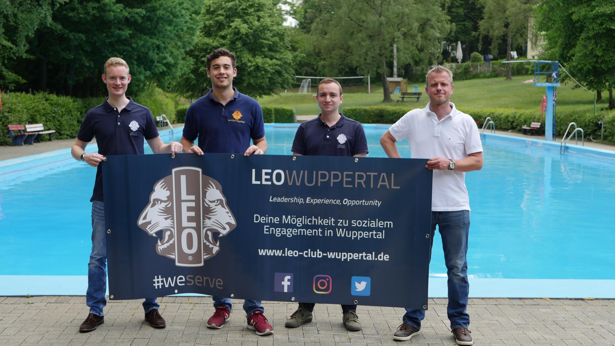 Leos spenden 3.000€ an das Freibad Eckbusch